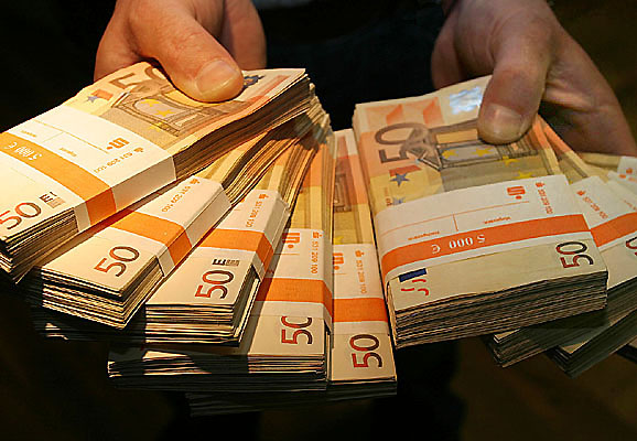 Und 5000 euro beim ps sparen gewonnen sparkassen for Badezimmer 5000 euro